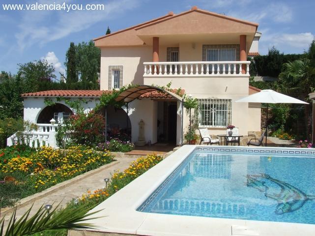 Einfamilienhaus mit pool  Kaufen in Valencia - Benaquasil - Freistehendes Einfamilienhaus ...